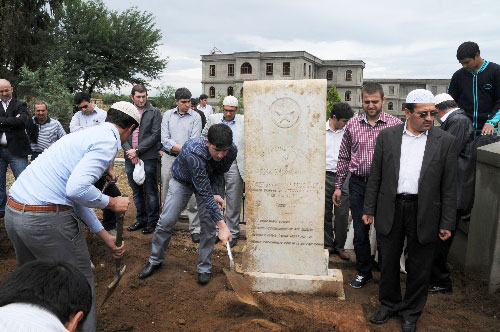 Ottoman prince's symbolic tombstone may be built in France
