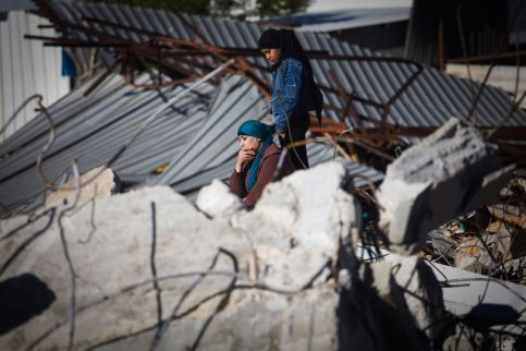 Israel razes 8 Palestinian structures in W. Bank