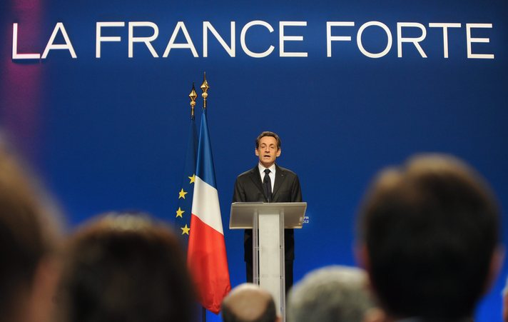 Sarkozy wants EU to lose half its powers