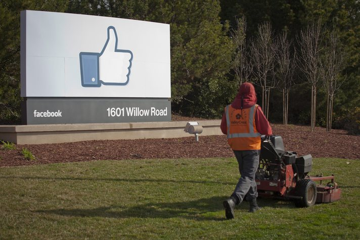 Facebook launches 'Safety Check' tool for disasters