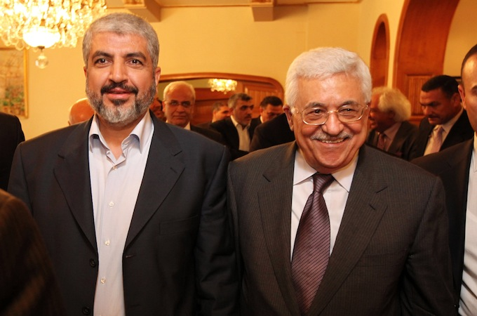 Palestinians meet in Cairo, rift clouds Gaza truce prospects