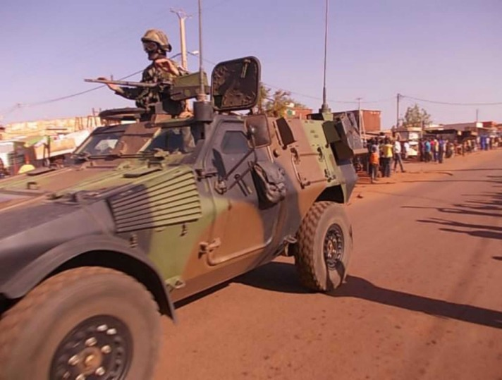 French troops free 5 aid workers kidnapped in Mali