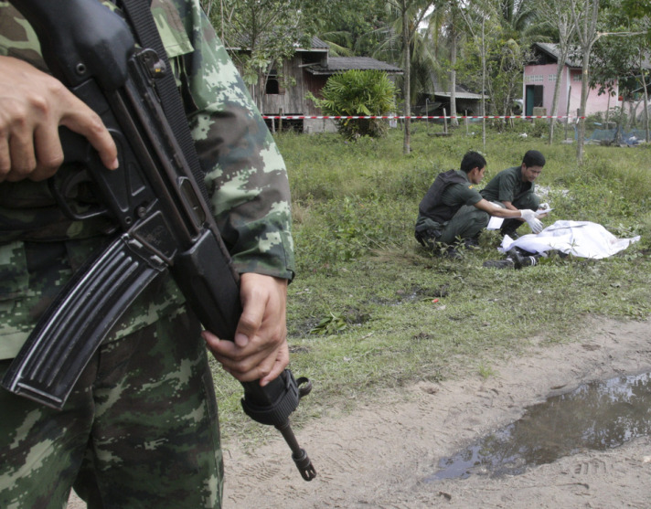 Coordinated bomb blasts hit Thailand's Muslim south