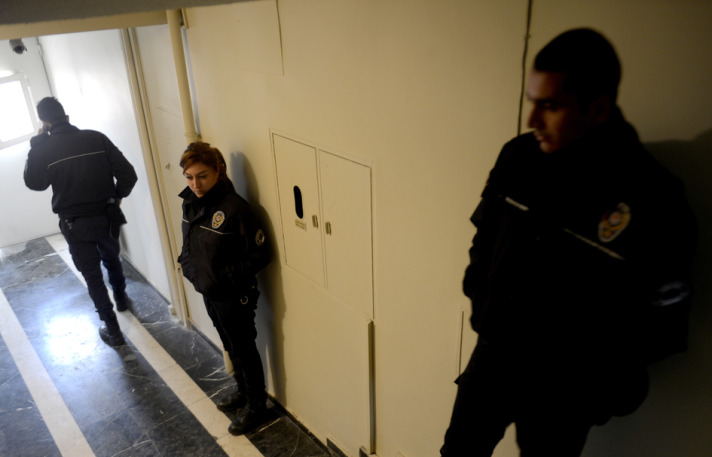 Istanbul police detain 13 in 'anti-terror' raids