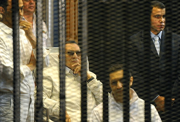 Egypt's Mubarak tells Cairo court his conscience is clear
