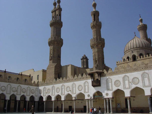 Al-Azhar, Bahrain sign deal on civilizations dialogue