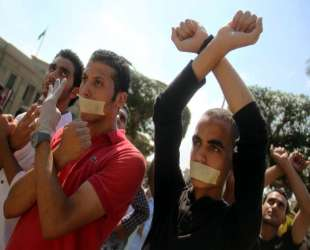 Egypt students rally in support of Morsi