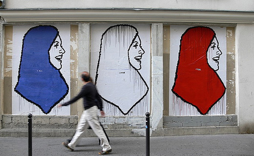 French Muslims support Christians against IS