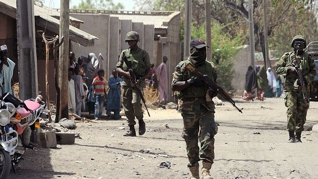 500 Nigerian troops 'flee' to Cameroon