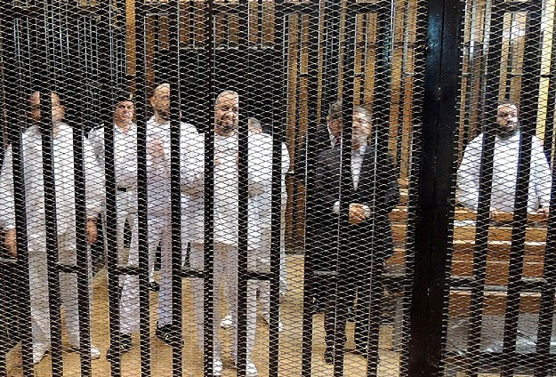 Morsi in court for 8th Ittihadiya trial session-UPDATED