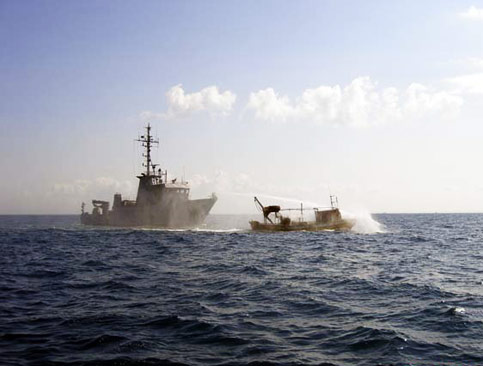 Israel navy fires on Gaza fishing boats