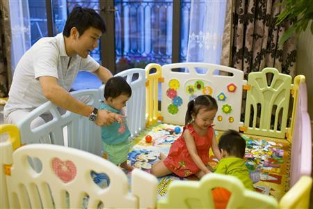 Chinese parents give babies away on Internet