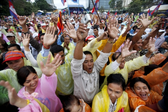 Cambodian activists complete human rights day march