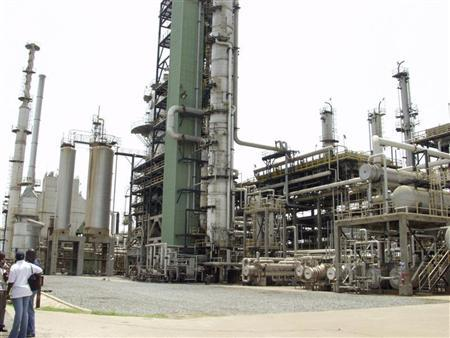 Nigerian oil workers call open-ended strike