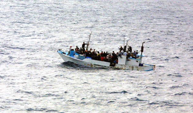 Record number of migrants die at sea, in deserts this year