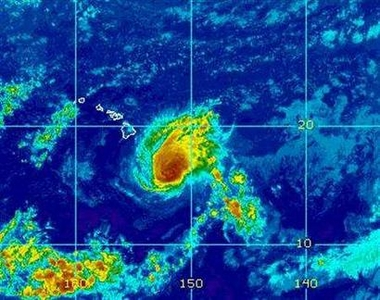 Hawaii braces for hurricane double punch