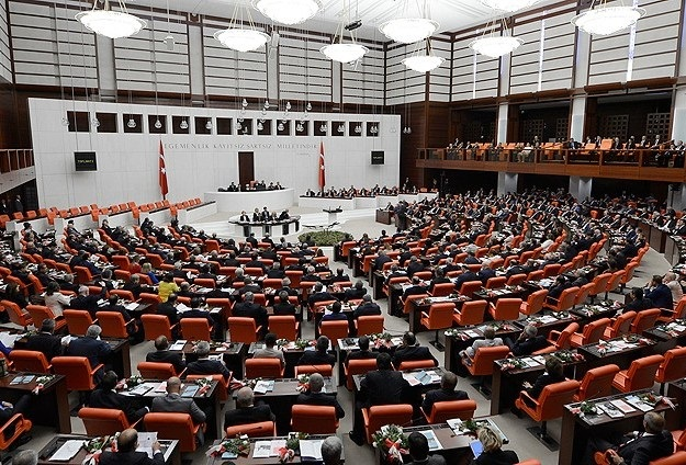 Turkish parliament gives PM Davutoglu's cabinet confidence vote