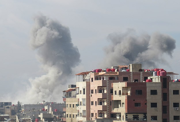 Syrian opposition forces lay siege to Aleppo airport