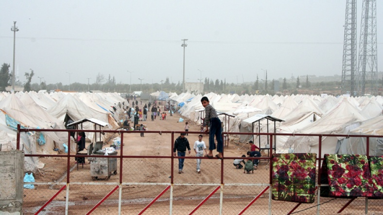 Syrian boys become breadwinners as parents struggle in Turkey