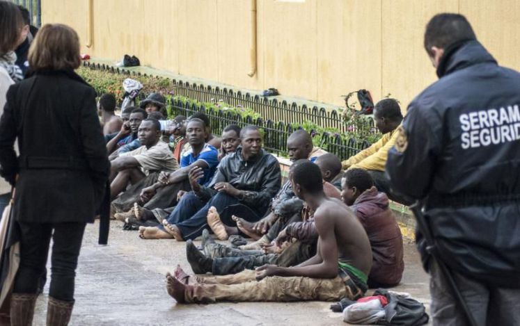 300 African migrants storm Europe's 'wall of shame'