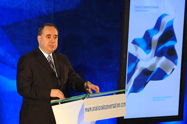 Scotland independence leader calls UK gov't 'thieves'