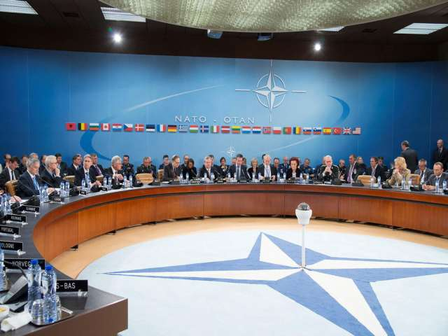 NATO vows to defend allies against Iraq rebels