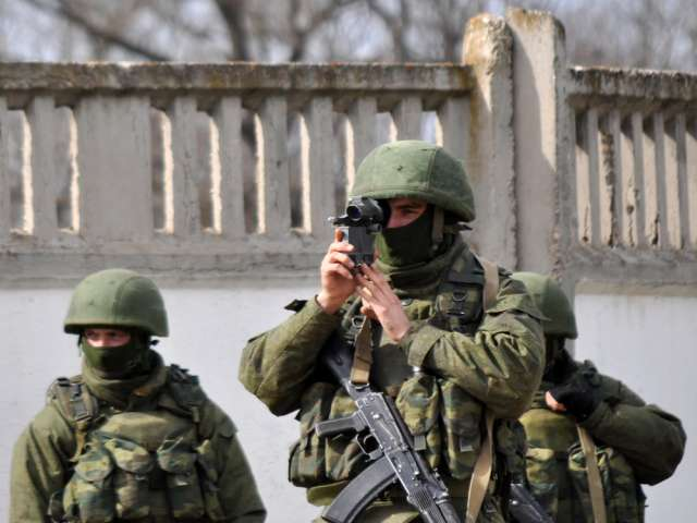 Serbian paramilitaries join pro-Russian forces in Crimea