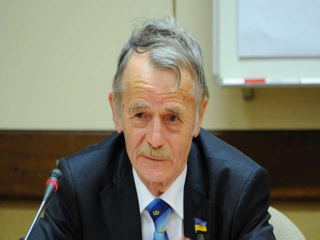 Tatar leader urges Turkey to impose sanctions on Russia