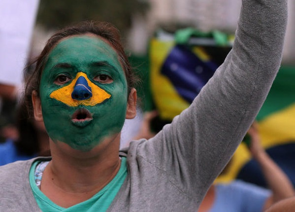 10,000 protest in Brazil against car industry layoffs