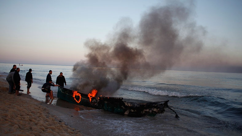 Israeli navy sinks Palestinian fishing boat off Gaza