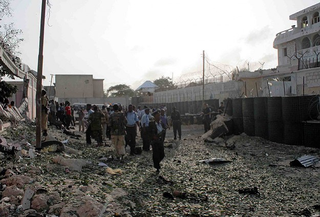At least 14 killed as AU forces attack fighters in Mogadishu