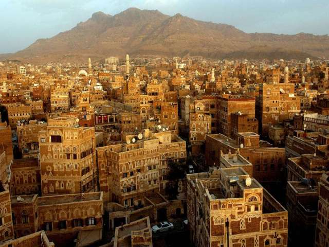 Yemen TV building on fire as clashes continue in Sanaa