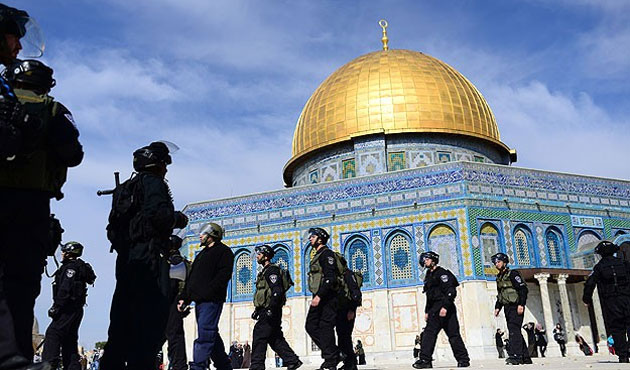 Palestinian official warns of looming 'religious war'