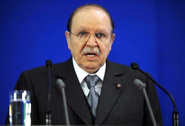 Algerian president replaces top military officials