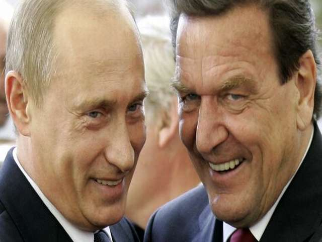 Schroeder says Putin meeting freed OSCE hostages