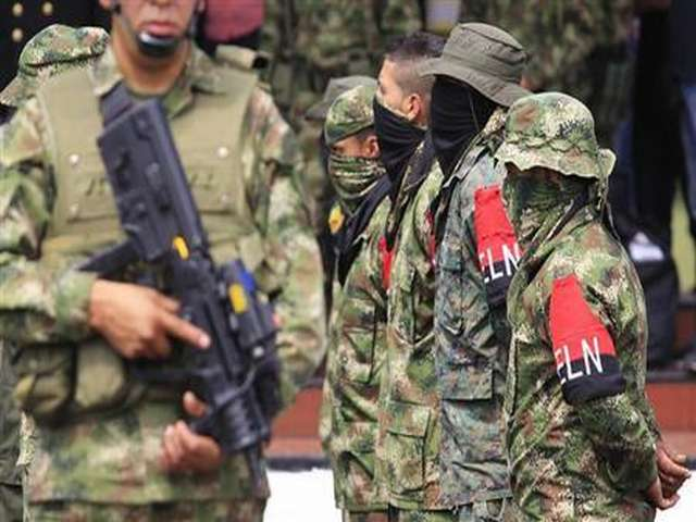 Colombian peace negotiator demands FARC hand in weapons
