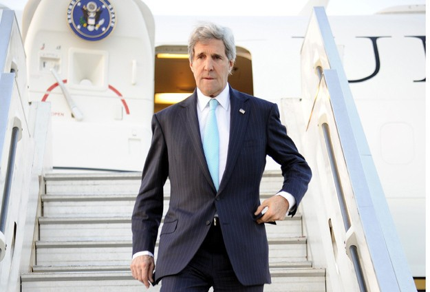 Kerry seeks to resolve voting crisis in Afghanistan