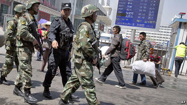 China to pay rewards to civilian informers in Xinjiang