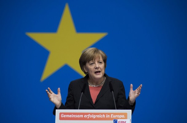 Germany's Merkel warns Russia against 'old patterns of thinking'