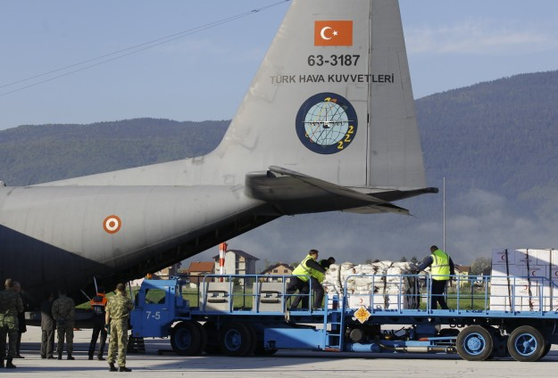 Flood-hit Bosnia continuing to receive Turkish aid