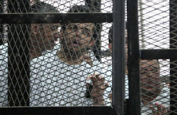 Egypt's Sisi decrees law on repatriating foreign prisoners