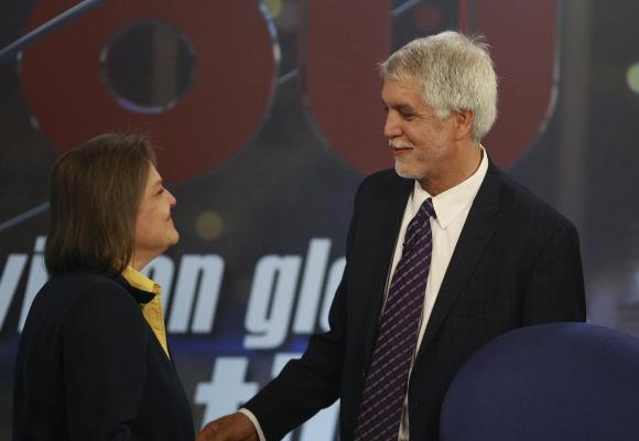 Peace at stake in Colombia's scandal-tainted presidential vote
