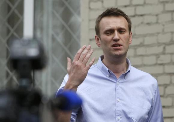 Russia opposition leader Navalny detained outside home
