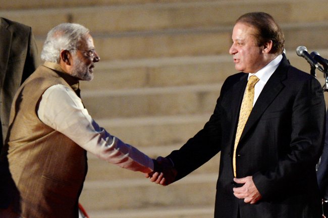 India's Modi meets Pakistan PM, agreed to get peace talks back on track
