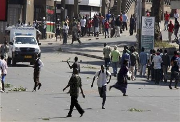 Malawi police shoot dead one person in election protests
