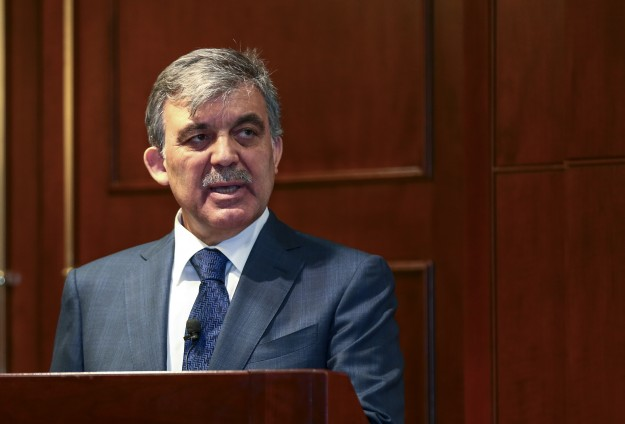 Oil flow in line with Iraq's laws, says Turkey's Gul