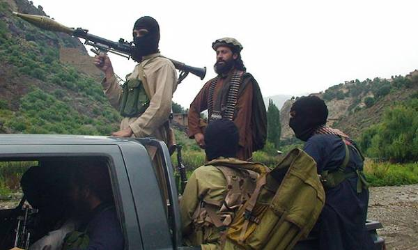 NW Pakistan: 16 fighters, one soldier killed in clashes