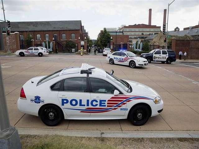 US police officer killed, suspect commits suicide