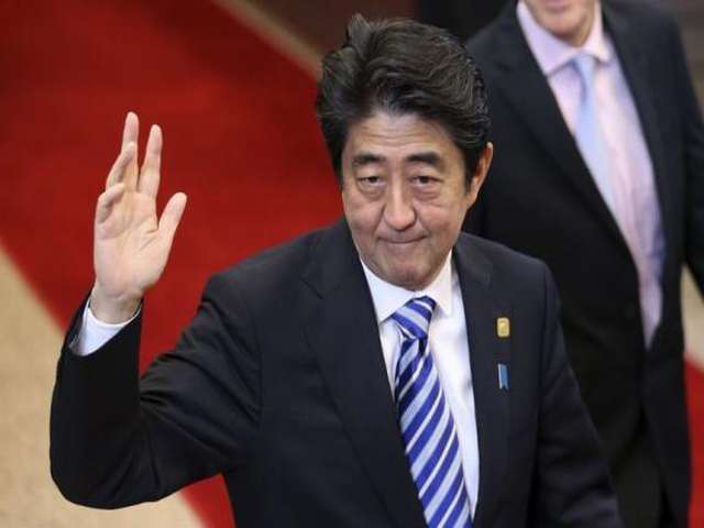 Japan's Abe on tour to win back influence in South Asia