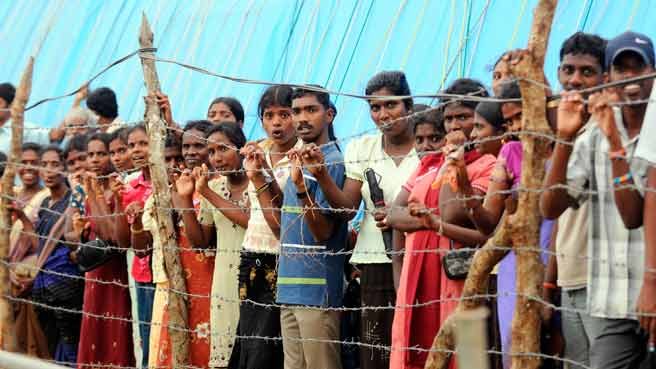 Australia hands over 200 Tamil refugees to Sri Lanka